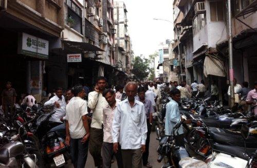 Surat's diamond market street