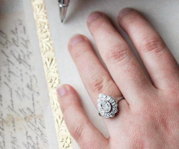insta capture vintage ring