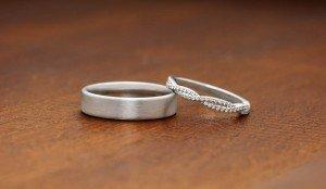 Wedding-Ring-Pair-on-Wood-2