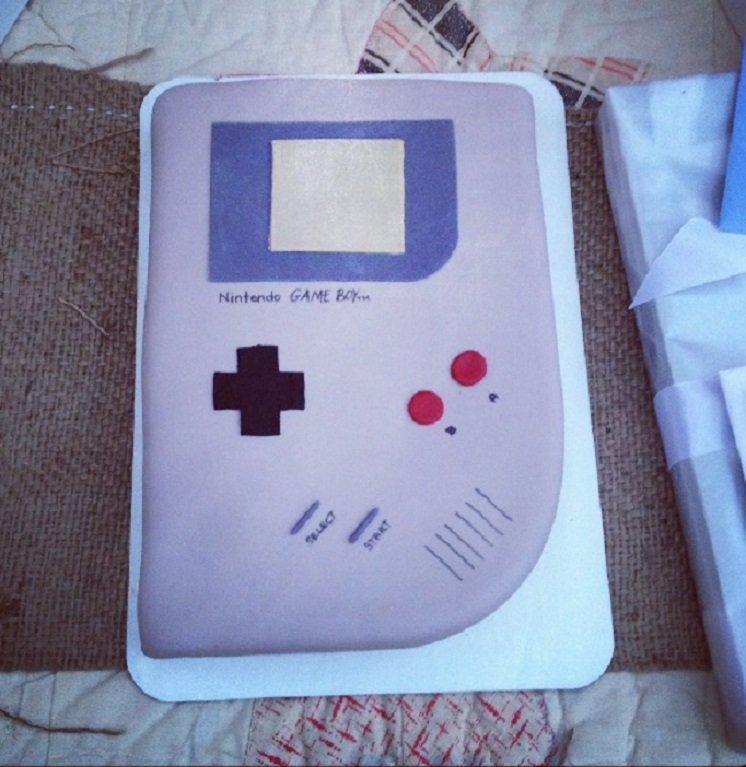 Game Boy Cake 3