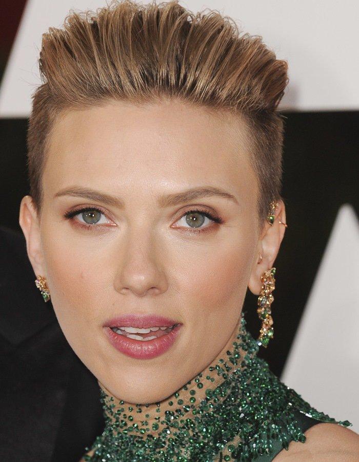 Scarlett-Johnasson-Jewelry