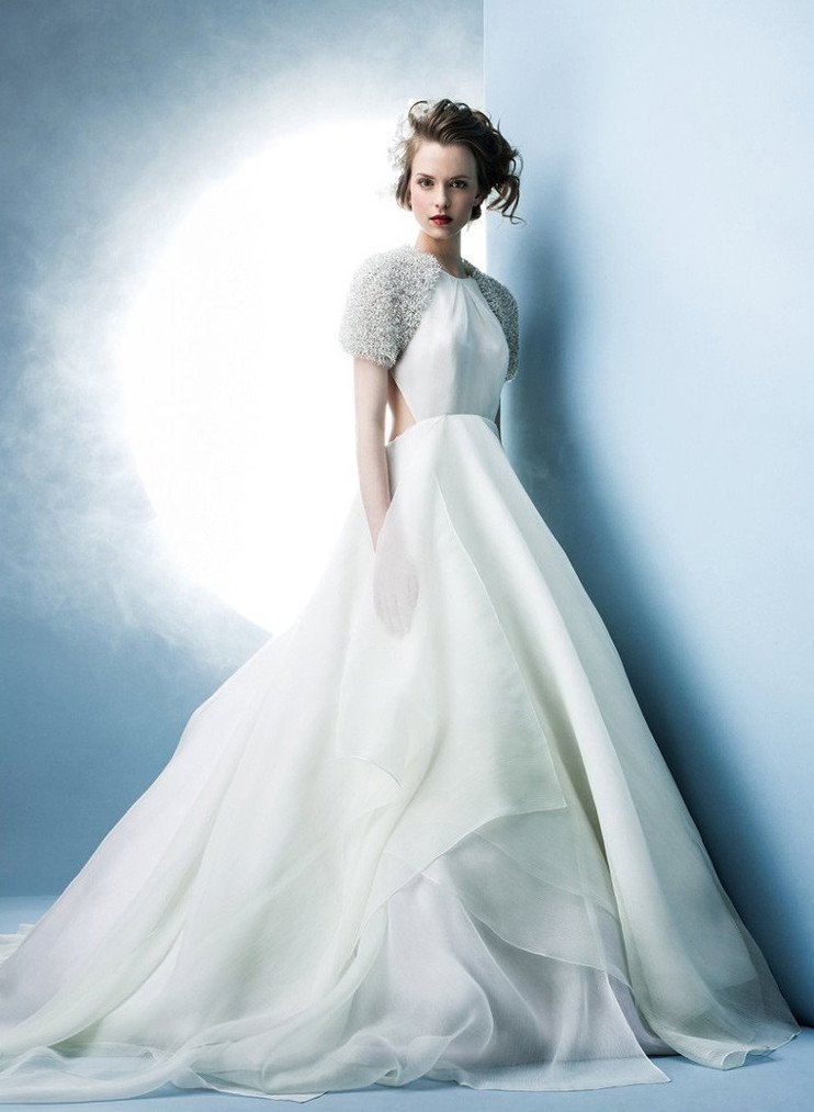 Spring 2016 Wedding Dress Trends And Rings To Match