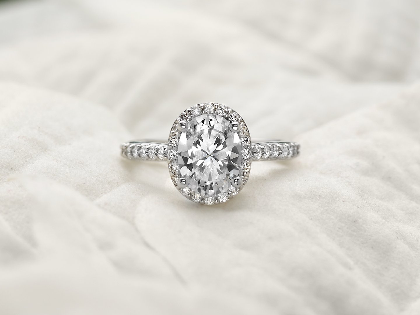 engagement f oval halo ct ring platinum in diamond rings