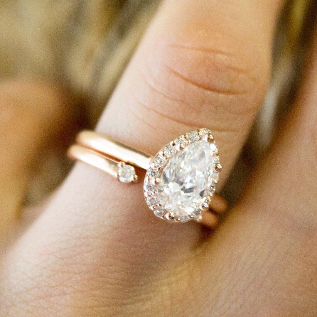 9 Most Loved Halo Engagement Rings on