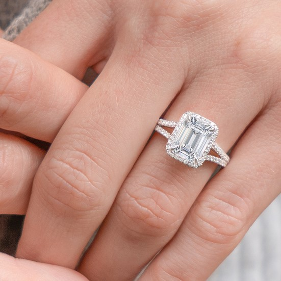 Best Custom Engagement Rings Chicago: Emerald Cut Engagement Rings