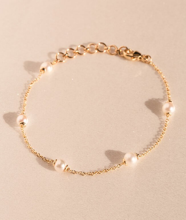 Rose gold bracelet with pearls