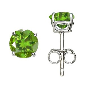 Silver Peridot Stud Earrings (6mm)