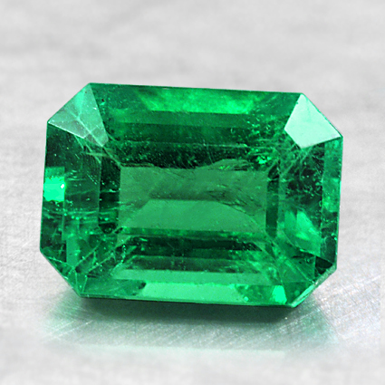 8.4x6.1mm Emerald, top view