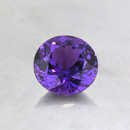 5.3mm Purple Round Sapphire, top view