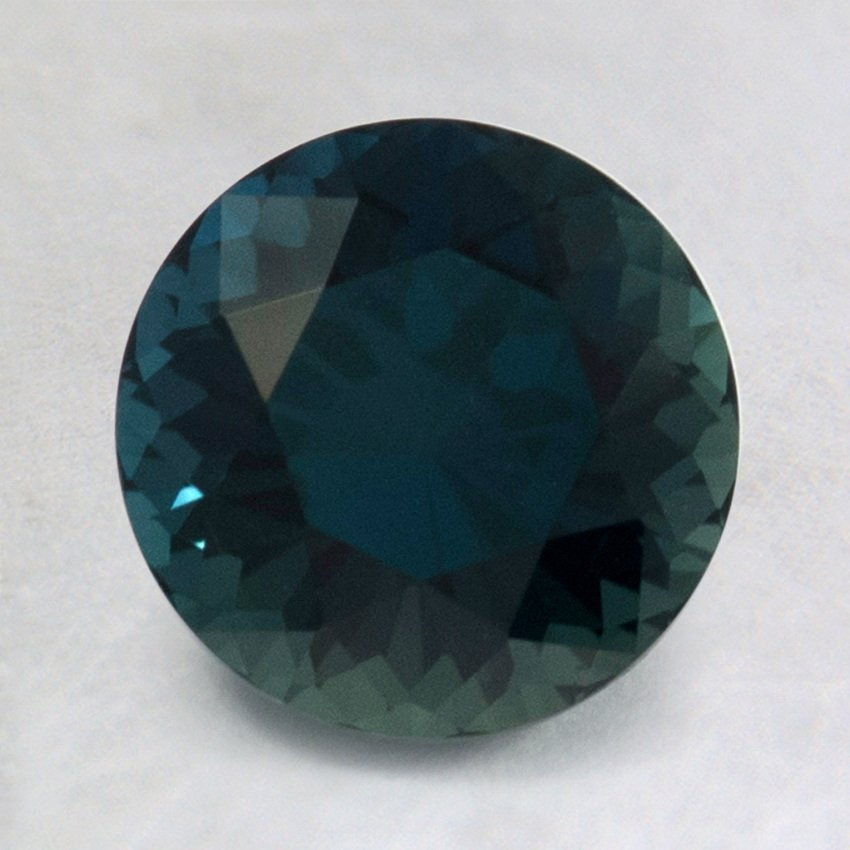 7.5mm Premium Teal Round Sapphire, top view