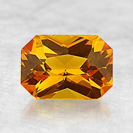 7.5x5.3mm Orange Emerald Sapphire, top view