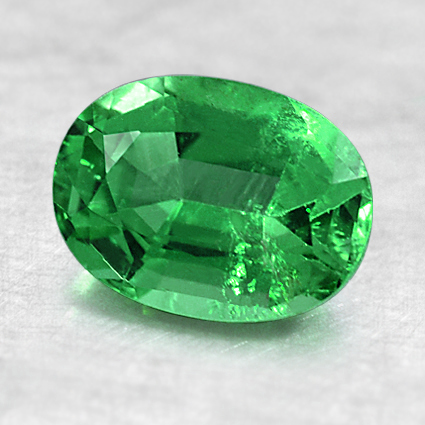 8.1x6mm Oval Emerald, top view