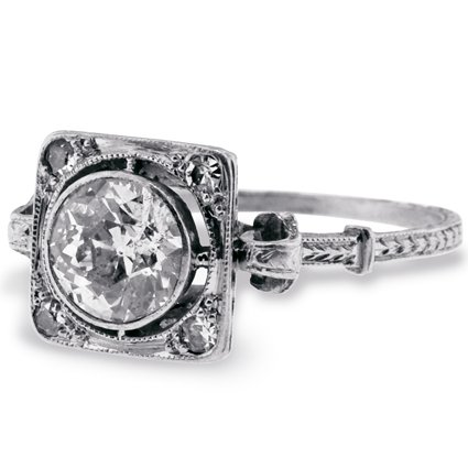 The Victorian Queen Ring, top view