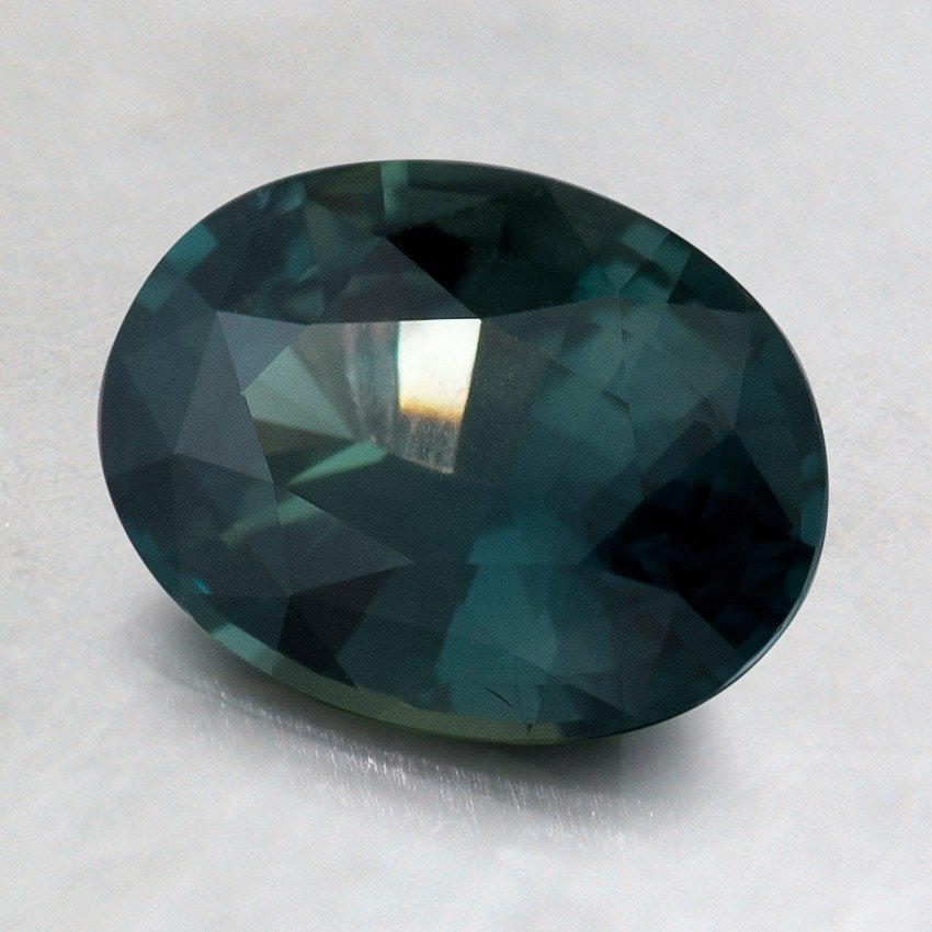 8x6mm Premium Green Oval Sapphire, top view