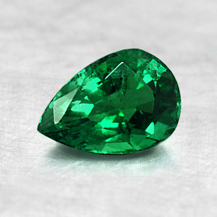 7x4.9mm Pear Shaped Emerald, top view