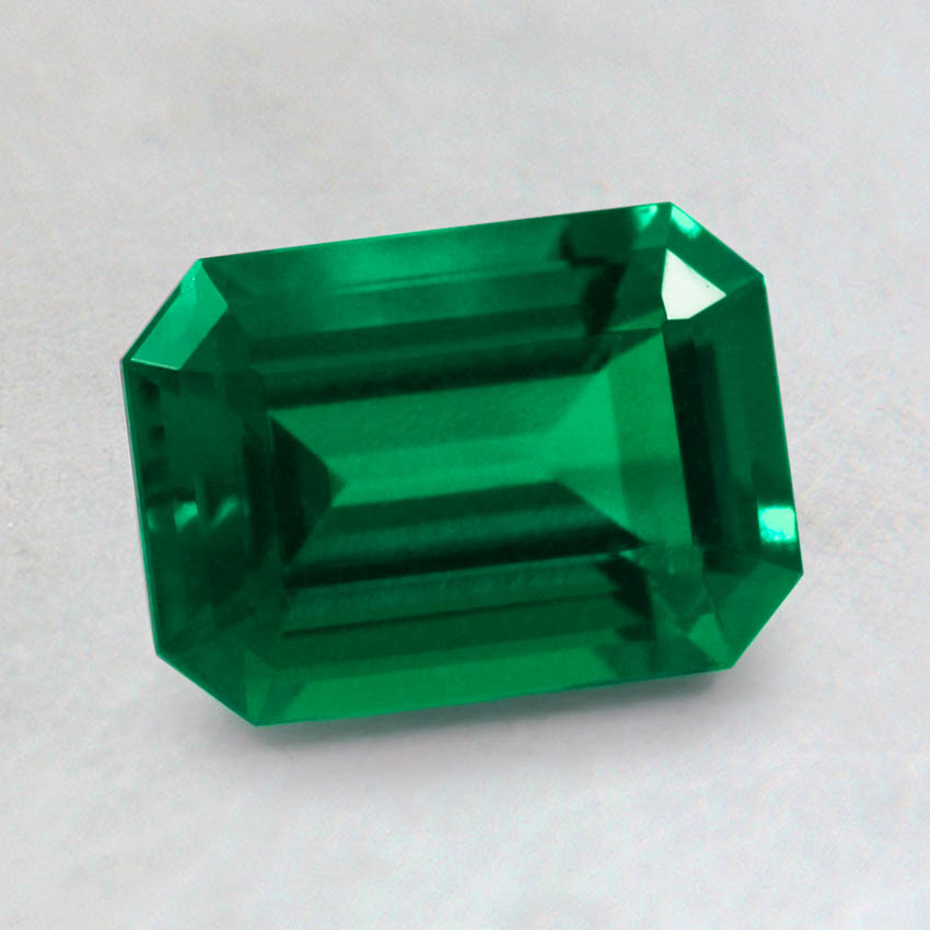 7x5mm Lab Created Emerald, top view
