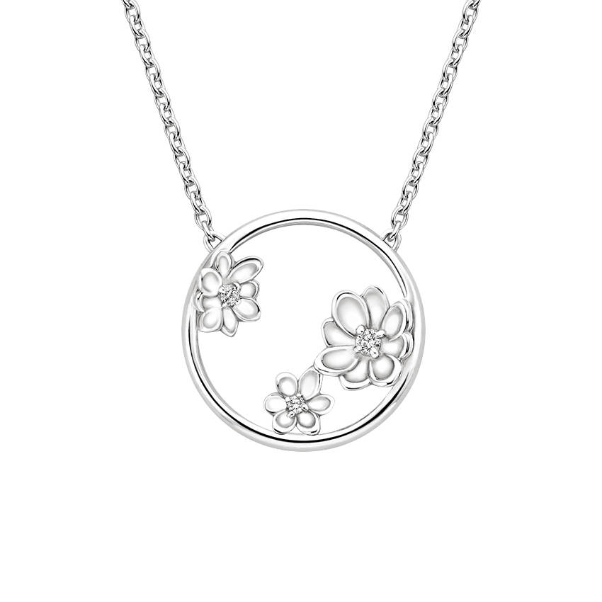 Diamond Flowers Circle Necklace