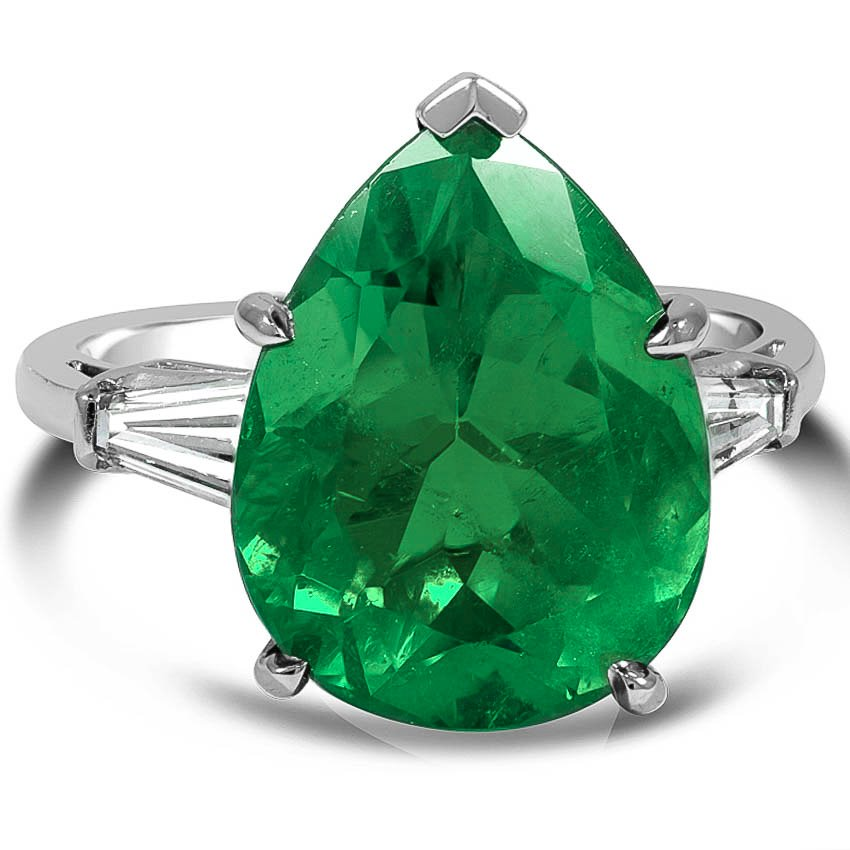 Modern Emerald Cocktail Ring