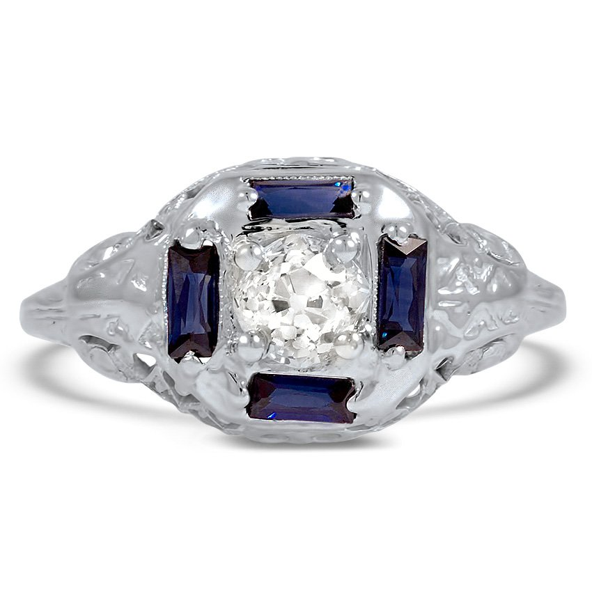 The Elvie Ring, top view