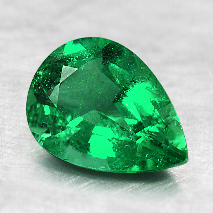 8.3x6mm Pear Emerald, top view