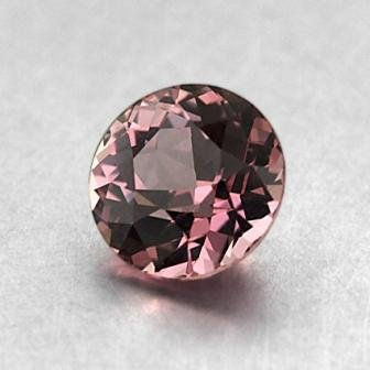 7.5mm Pink Round Sapphire, top view