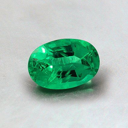 6x4mm Oval Emerald, top view
