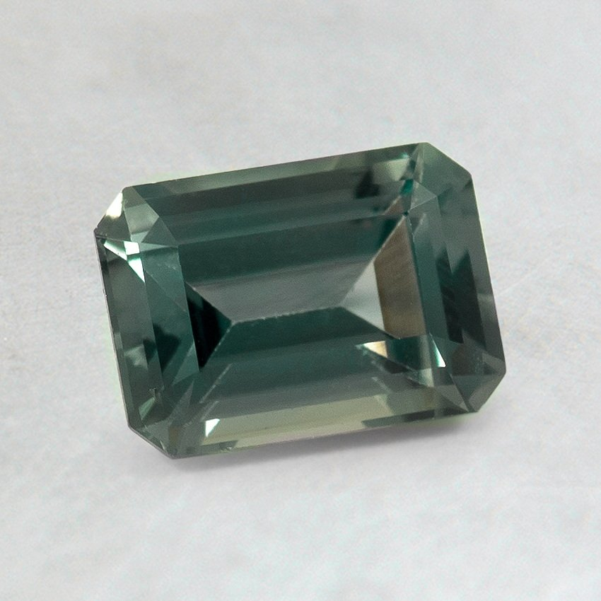 7x5mm Green Emerald Sapphire, top view