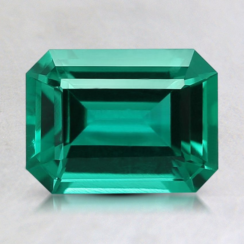 9x7mm Lab Created Emerald, top view