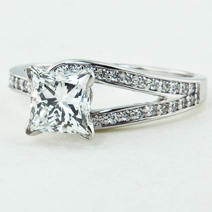 18K White Gold Oceana Ring