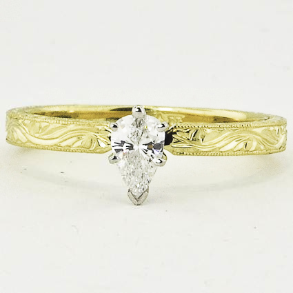 18K Yellow Gold Hand-Engraved Laurel Ring