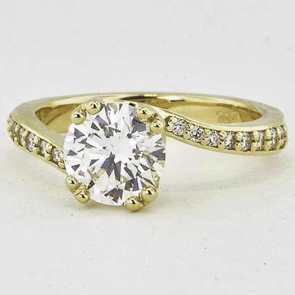 18K Yellow Gold Seacrest Ring with Diamond Accents