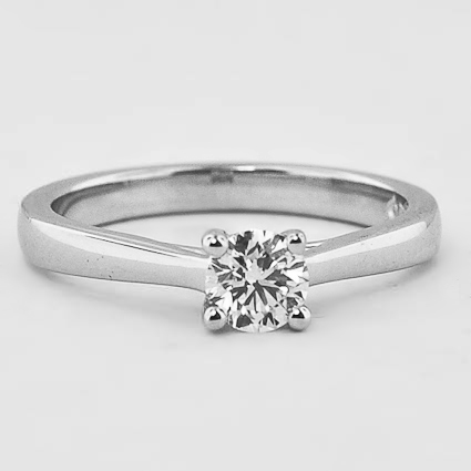 18K White Gold Petite Tapered Trellis Ring
